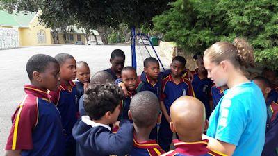 Andrea Wiegandt berichtet von ihrem Handball-Projekt